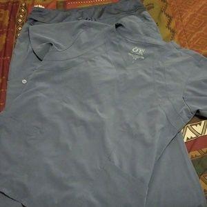 Barco One gray scrubs size L top, M Bottom